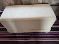 Large-Upholstered-Blanket-Storage-Box