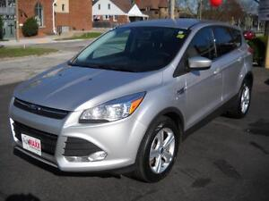 2014 FORD ESCAPE SE - REAR VIEW CAMERA, HEATED SEATS, SYNC, BLUE