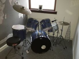 Pearl export series drum kit with Gibraltar chair