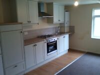 2 Bedroom flat Leeds / Morley - Newly refurbished and Great location