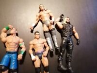 28 wrestlers, rings and accessories