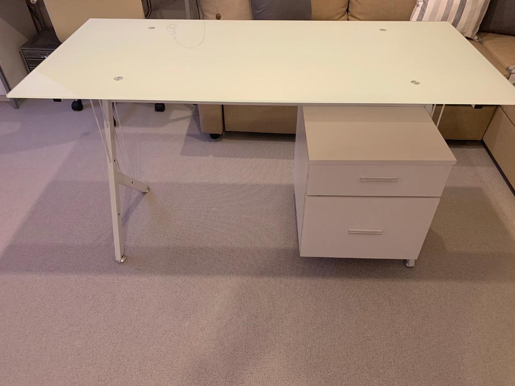 Cheep White Desk For Sale Glass Top In Stowmarket Suffolk Gumtree
