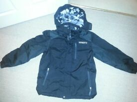 BOYS: Coat with detachtable hood AGE 10/12