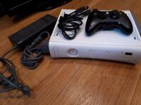 XBOX 360 White, 60GB HARD DRIVE, 1x CONTROLLER