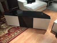 GLOSS WHITE TV STAND TO GO