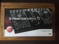 NI Traktor Kontrol S2, Magma Carry Case & Numark Headphones