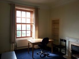 VERY BIG SIZE double room in bell street dundee next to Abertay University & city centre