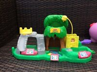 Fisher price interactive zoo