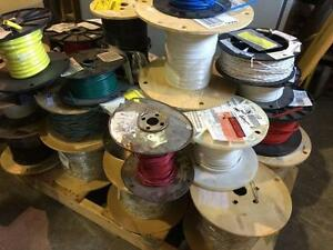 Lot de fil électrique divers (6 palettes) - Lot of various electrical wire (6 pallets)