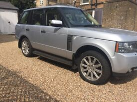 Range Rover Vogue 2010 Automatic Full Service History Fully Loaded