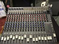 16 channel mackie mixer