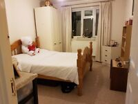 Clean 3 bedroom flat in Stoke Newington