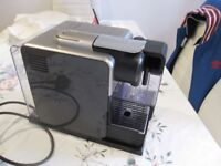 De'Longhi Lattissima Touch EN 550.B Espresso only used couple of time like new.