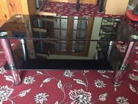 Black coffee table in good condition