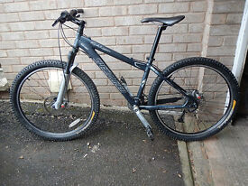 "Specialized Rockhopper MTB 15"" suit sml lady or teen. VGC with good quality kit."