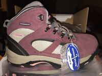 Girls waterproof Hi-Tec Altitude Lite Boots size 3