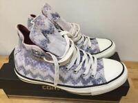 Men's/women's Converse All-Stars - UK 7 - Brand New and Boxed