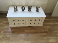 Shabby chic lovely unit with 2 deep drawers