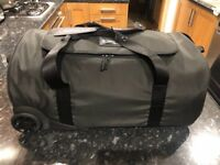 **BRAND NEW** Titleist Duffle Bag with wheels