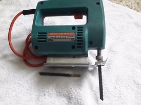 BLACK AND DECKER JIG SAW. £8.00