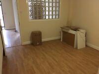 Converted Ground 2 Bed Flat 1 Bath 1 Shower 2 WC Hall Sitting Room Kitchen VeryNearBRShopsTube