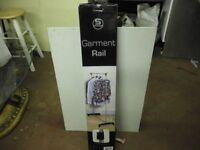 GARMENT/CLOATHES RAIL
