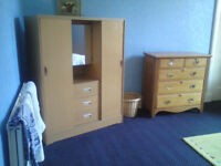 Fully se rviced , furnished double room in large house, situated just off the High Street.