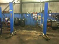 2x Hoffman 3.2 tonne 2 post car lifts for sale