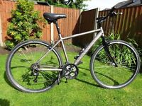 DAWES Hybrid male 301 Discovery bike with 24 gears. Nearly new.