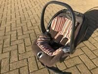 Mamas and Papas Primo Viaggio Baby Car Seat in Brown Corduroy and Multi Strip Insert