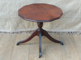 Vintage side table on castors Mahogany (Delivery)