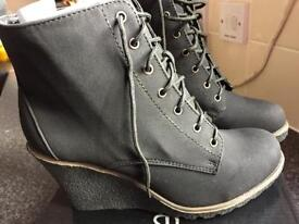 Casual suede boots size 5