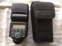 Canon 430 EX II Flashgun and pouch in excellent condition