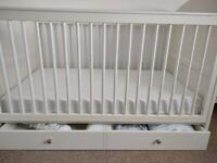Whit cot bed with draw
