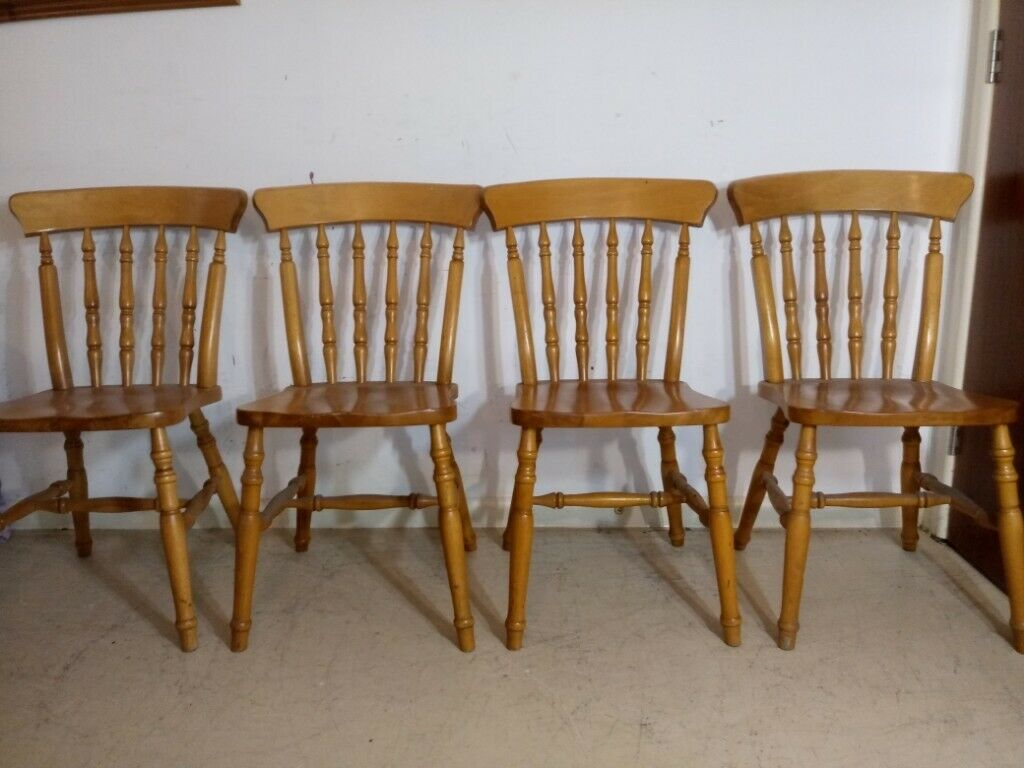 Set Of 4 Solid Pine Country Kitchen Dining Chairs Spindle Back Farmhouse Style In Winchester