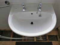 Ideal Standard sink + pedestal with Bristan 1/4 turn taps. Very good condition