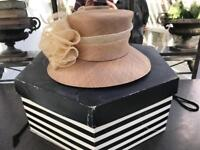 Nude hat