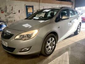 image for 2010 Vauxhall Astra 1.7 Cdti estate. Spares or repairs. Read advert