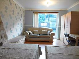 Twin room available in zone 2! bills inclued!