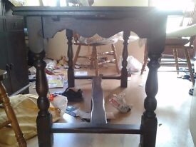 Carved dining table, antique, extendable, solid oak, stable and good condiiton, 120-180cm