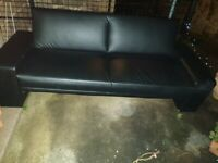 (Free )Sofa bed modern black free must collect no room