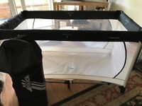 Hauck Dream n Play travel cot. Hardly used, one end catch is a little stiff but work well .