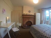 *WOW ! AMAZING room 1 minute from Brent Cross!