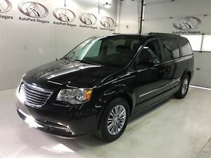 2016 Chrysler Town & Country Touring / LEATHER / POWER DOORS / H