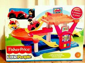 Brand New Boxed** Fisher Price Little People Rollin' Ramps Garage xmas
