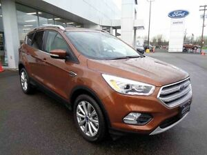 2017 FORD ESCAPE AWD Titanium / NAV / Toit / DEMO / 0% D'INTERET