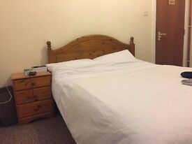 Spacious Double Room in Great City Centre Location.