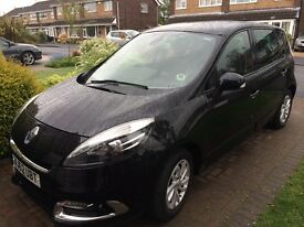 Renault SCENIC Very Low Mileage, no pets, non smoker, excellent condition, FSH, 12 months MOT