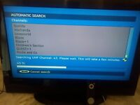 """32"""" LOGIK FREEVIEW TV 2 HDMI PC SCARTS STAND & REMOTE"""
