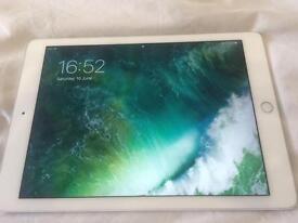 Cheap iPad Air 2 mint condition